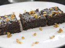 #FaçaemCasa: brownie de banana com nozes